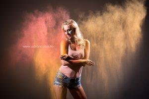 színes poros portré fotó